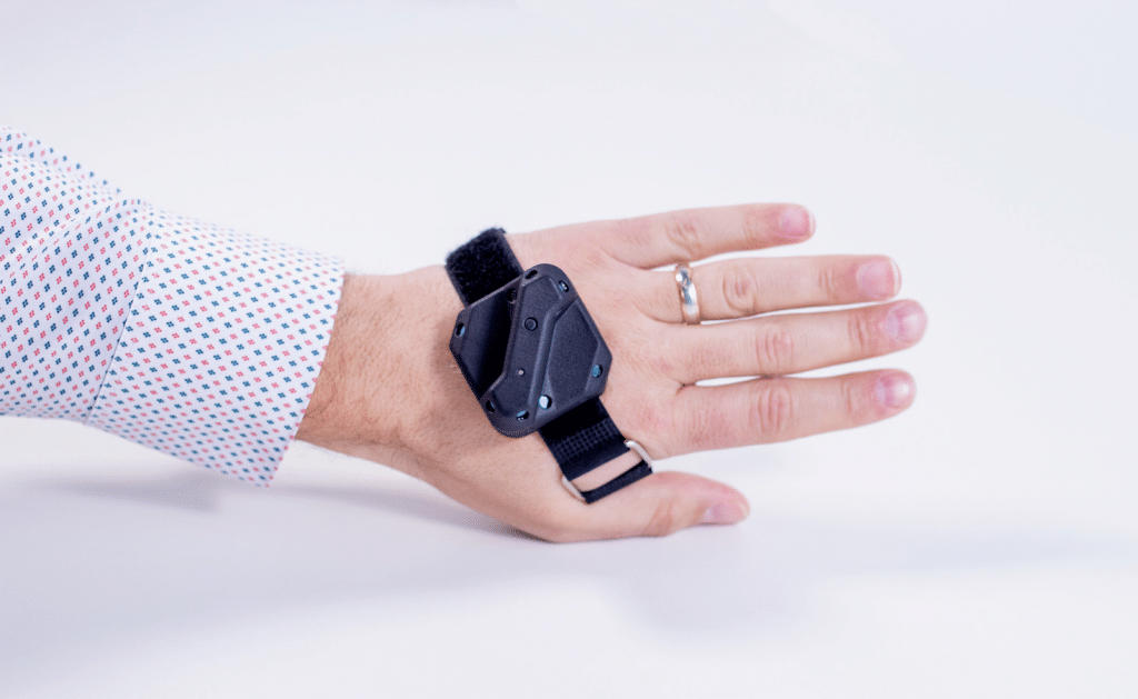 tundra vr tracker hand application